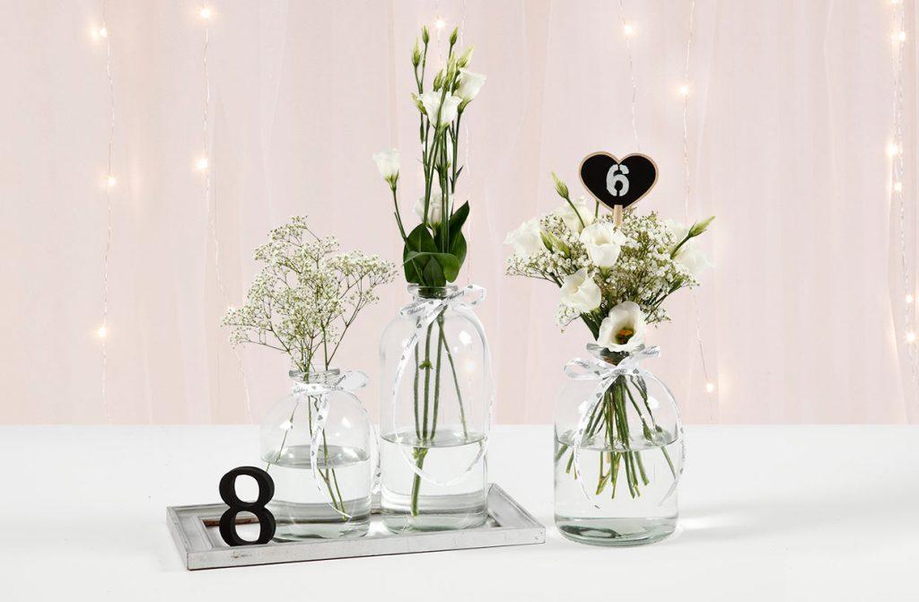 Bröllopsdekorationer: Bordsnummer av siffror eller tavelhjärtan