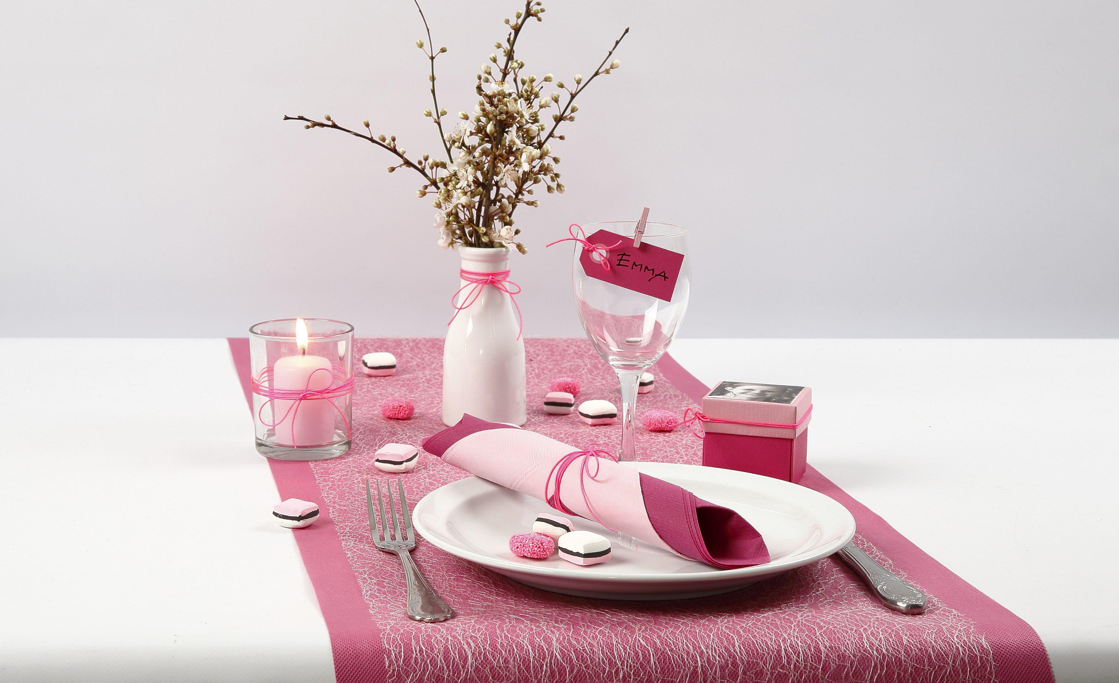 Konfirmation: Dukning och bordsdekoration med lakritskonfekt av Silk Clay