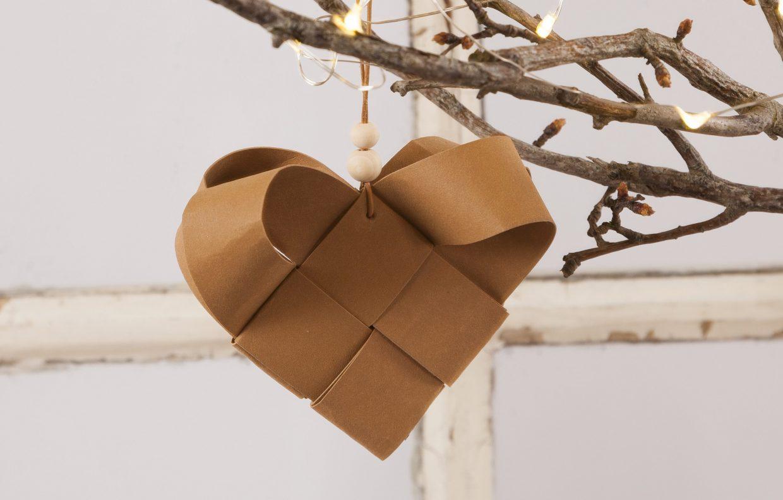 Kreativa idéer med läderpapper till dina egna juldekorationer