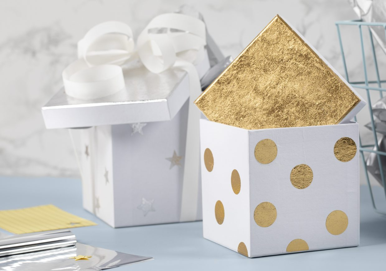 Var kreativ med folie, dekorationsfolie i guld till din dekoration av askar