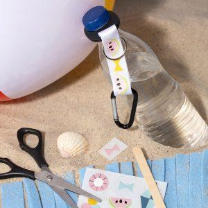 Sjov og kreativ ferie med børn - dekoration af flaskeholder med rub on stickers