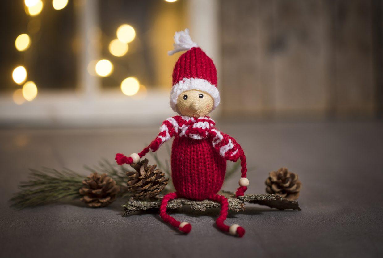 Julstickning och virkade juldekorationer, du kan göra själv