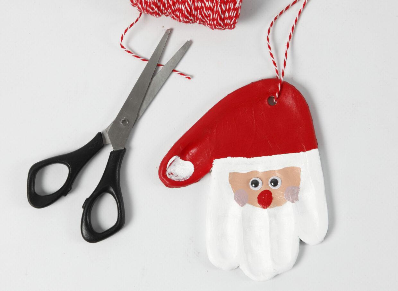 gör egna juldekorationer med självhärdande lera - jultomte