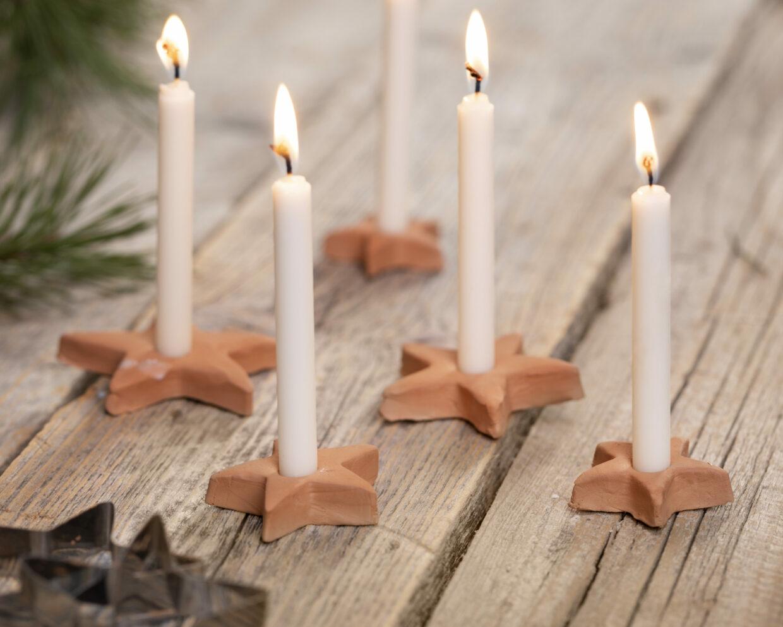 gör egna juldekorationer med självhärdande lera - stjärnljusstake